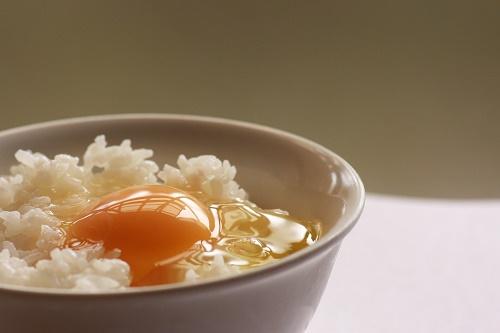 卵かけご飯の日の驚きの由来は?大人気のレシピ3つ紹介!
