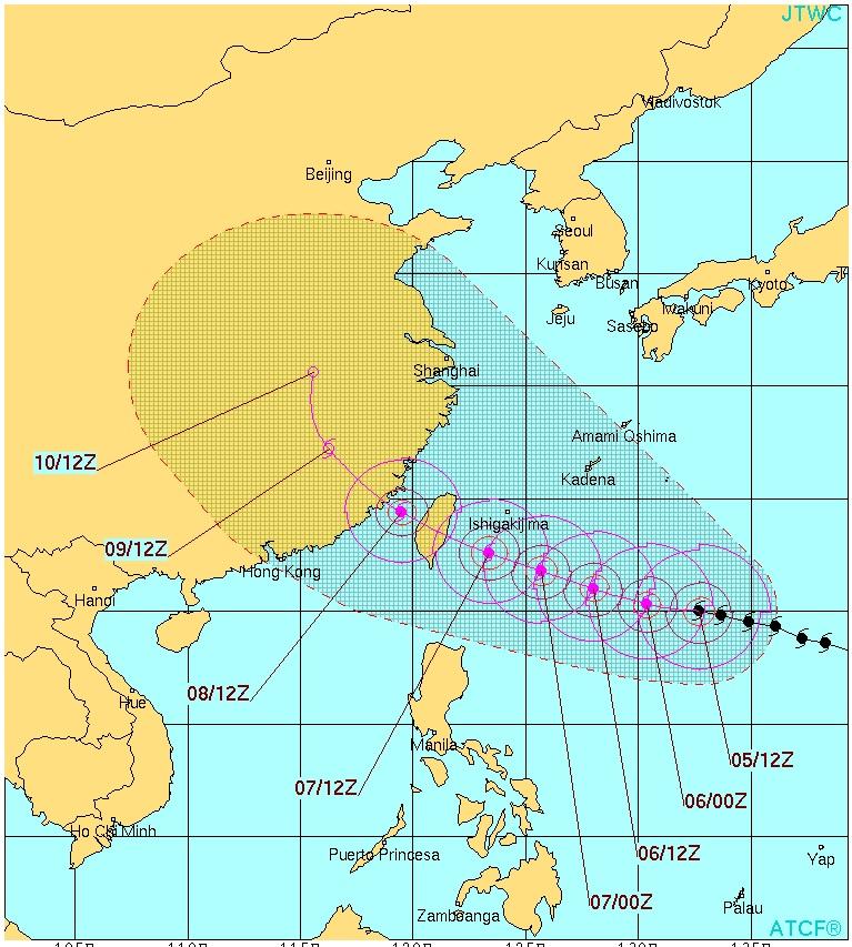 台風13号2015の予想進路と石垣島への影響は?